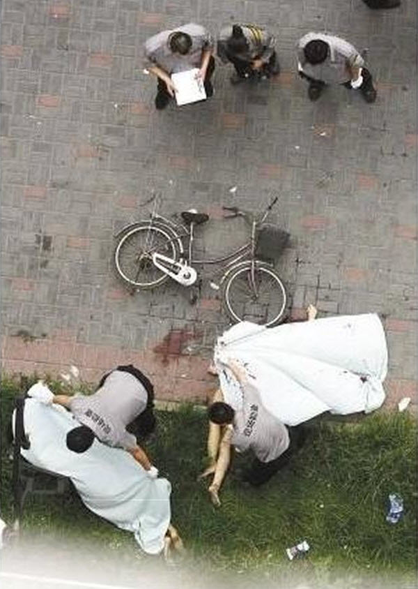 wuhan-chinese-couple-fall-to-deaths-after-having-sex-by-window