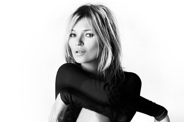 Kate Moss is sexy in goud!
