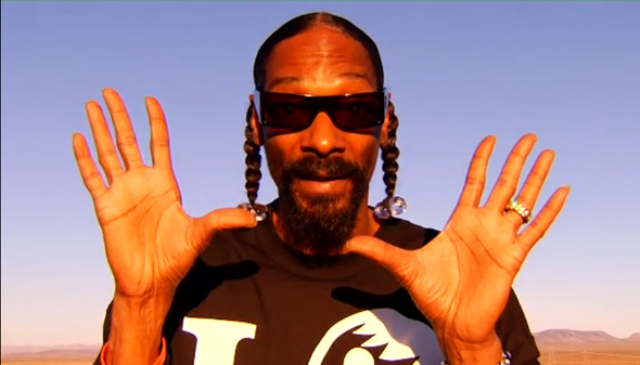 snoop-dogg-blows-armored-truck.590x337