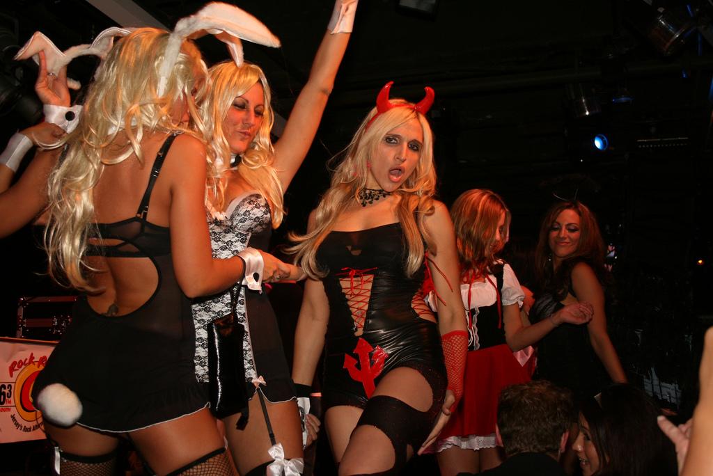 sexy-halloween-costumes-by-Stinkie-Pinkie