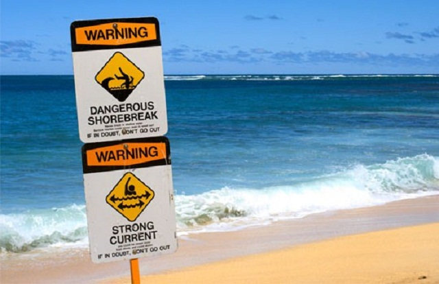 Hanakapiai-Hawaii-dangerous-beach